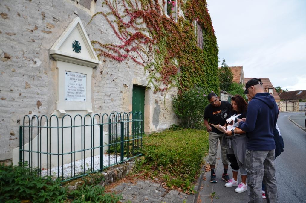Combien de noms sont inscrits sur le monument aux morts ?