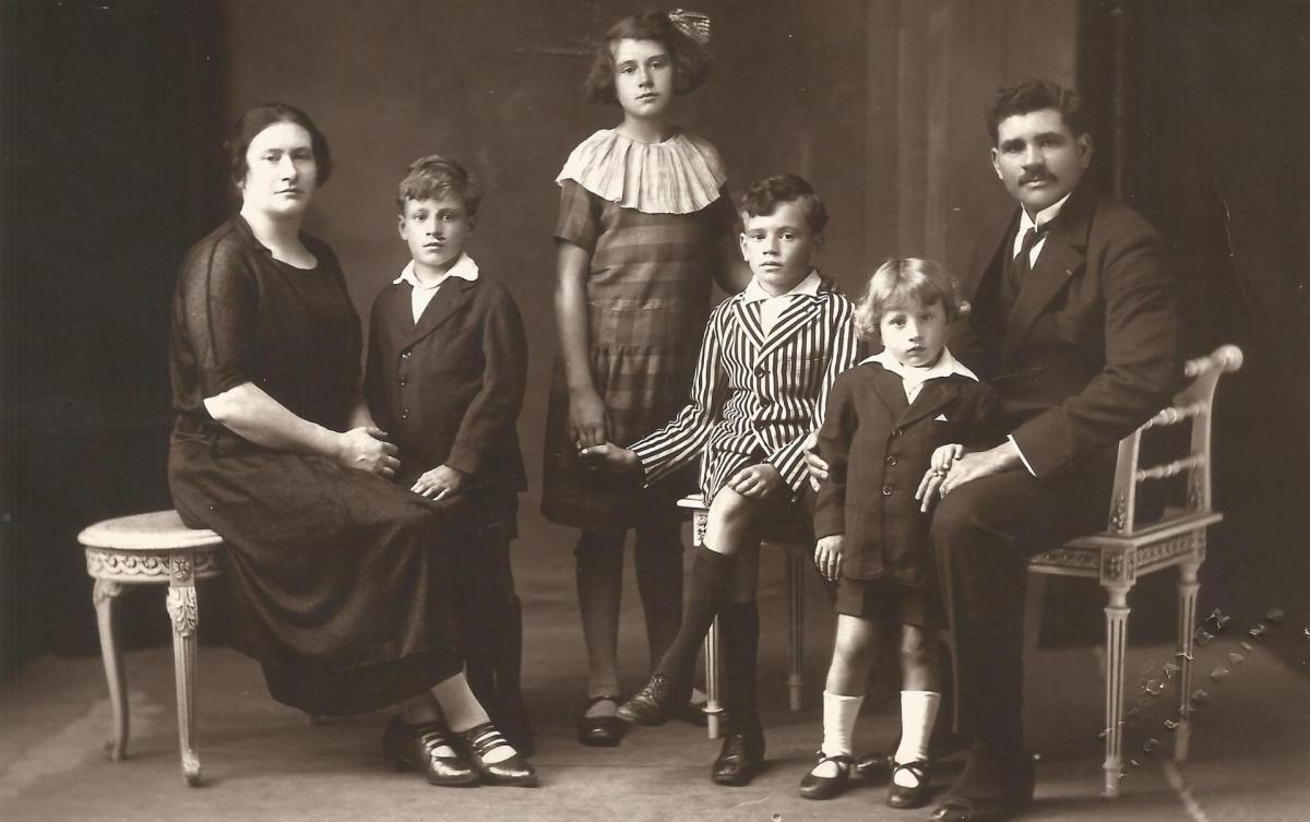 Pierre et Valentine Zizine avec leurs enfants